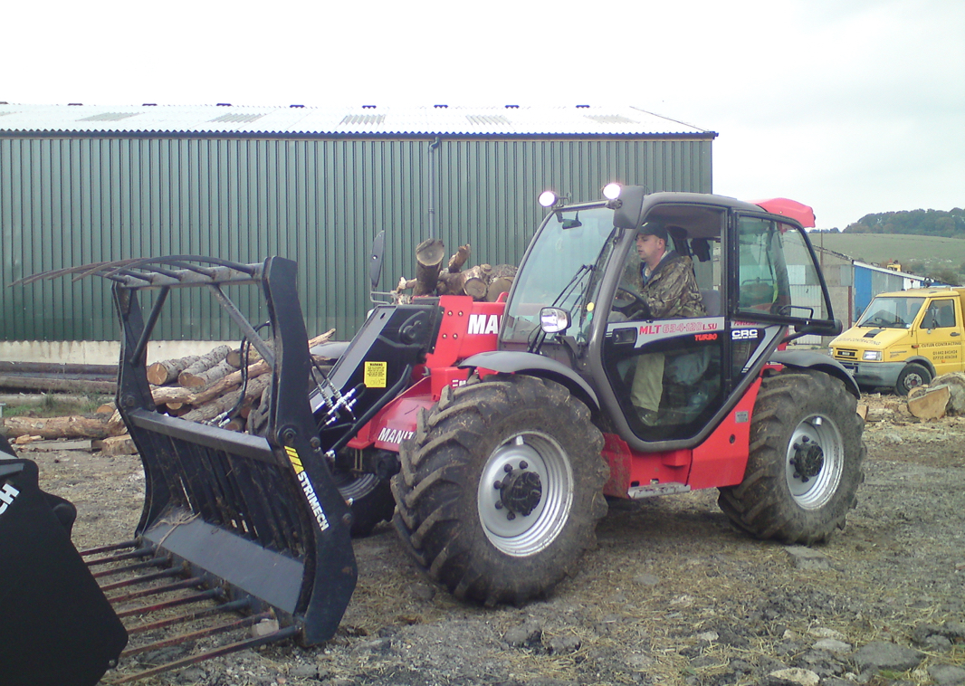 Plant Hire - Manitou - R A Cutler Contracting